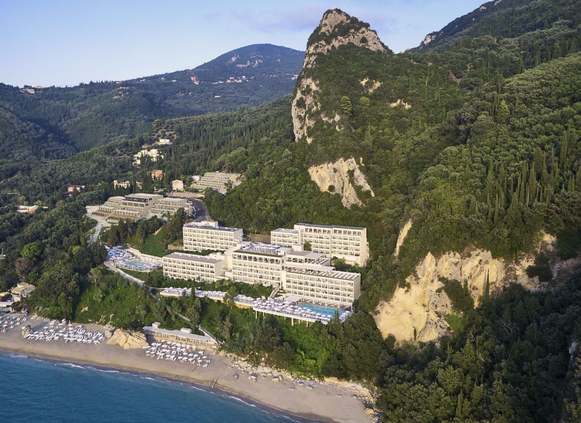 The Resort : mayorlagrottaverde.com